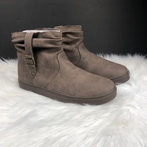 NINE WEST WOMENS BOOTIES SIZE 6